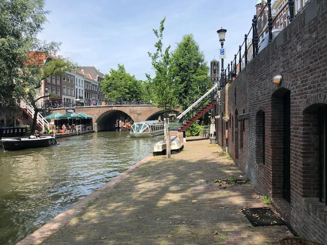 Wharf Studio at the Old Canal in Centre Utrecht