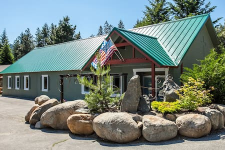 Family Fun Sleeps 12 - 1 mile from center of town! - Leavenworth - Σπίτι