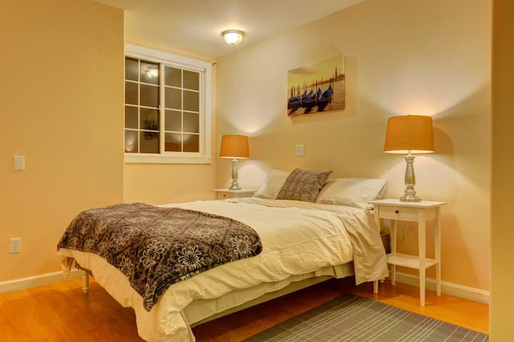 Bay Area No.1 Bedroom Suite with your own Bathroom