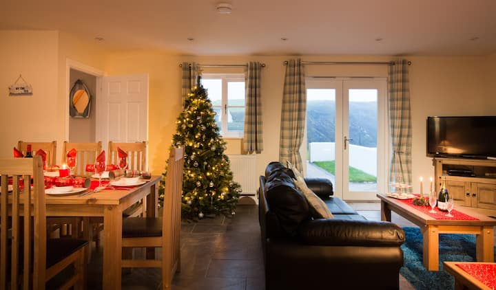 Kittiwake Cottage | just 50m from the sea