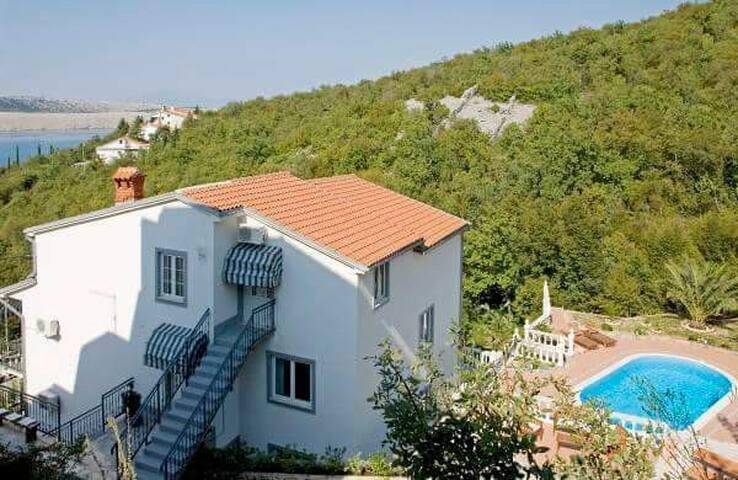 villa with Pool 100m from beach - Jadranovo - House