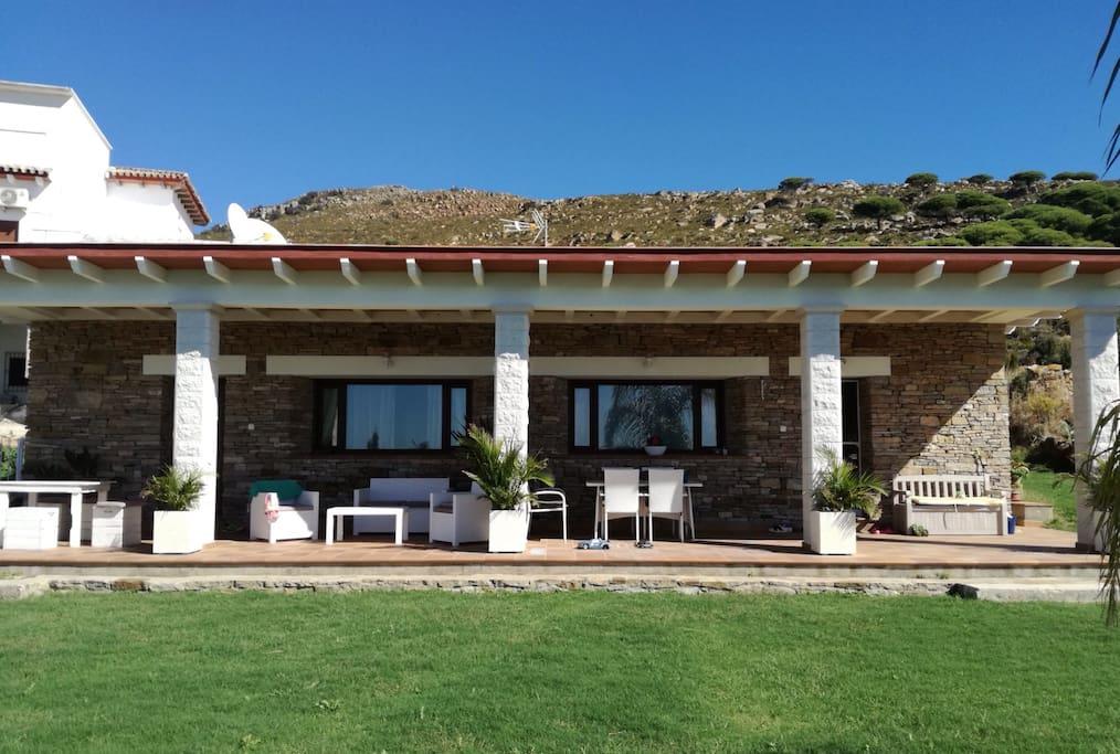 Modern rustic house in tarifa playa valdevaqueros casas rurales en alquiler en tarifa - Alquiler casas tarifa ...
