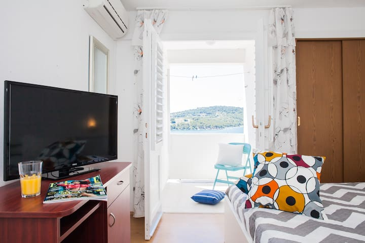 """Seaview"" Apartment Tisno"