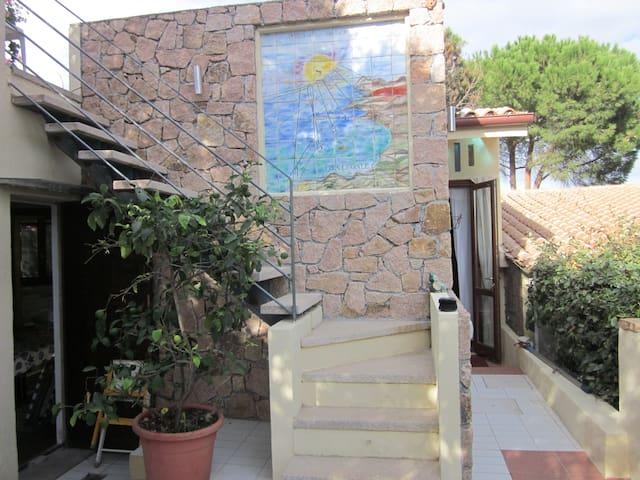 Accogliente monolocale con giardino - Santa Teresa di Gallura - Conca verde - House