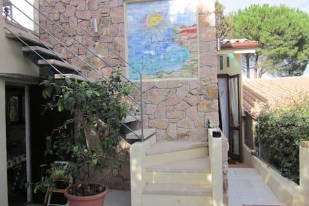 Accogliente monolocale con giardino - Santa Teresa di Gallura - Conca verde - Hus