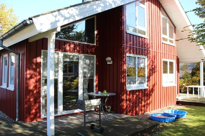 Gemütliches Holzhaus für Jedermann mit Haustier