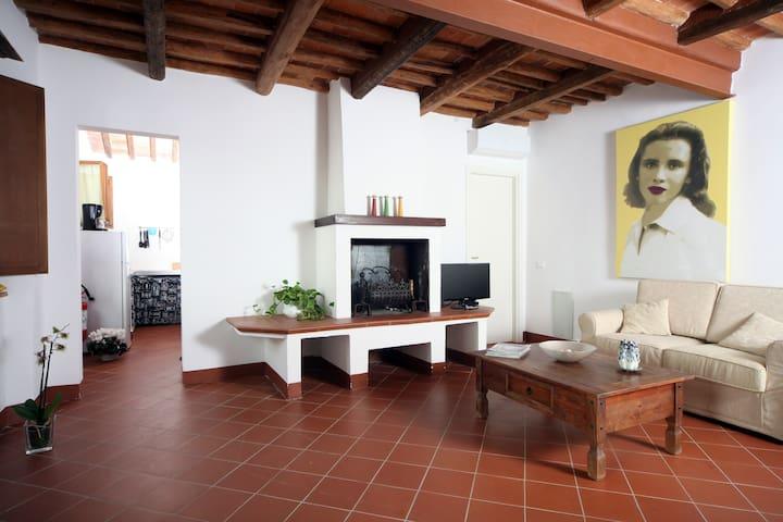 Casa Giuseppina - Borgo del '200