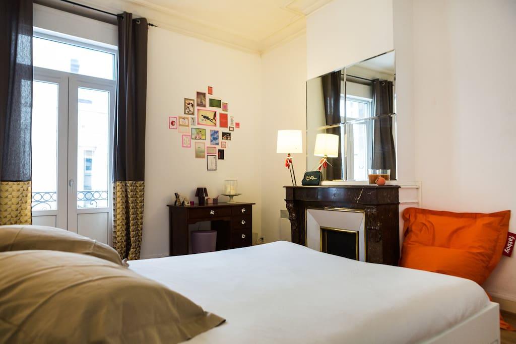 Chambre cosy plein centre de bdx appartements louer for Appartement bordeaux 80m2