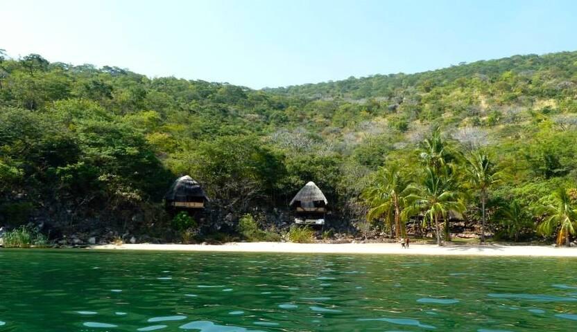 Luke's Beach, Mishembe Bay - Mpulungu