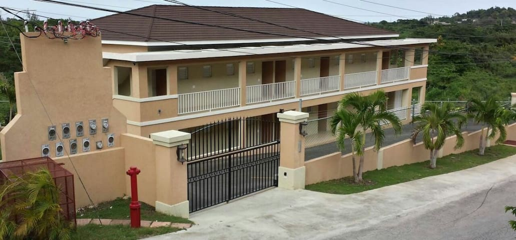 Montego Bay Flat - Close to airport