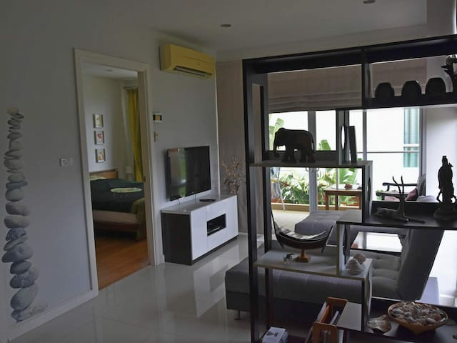 The Breeze 1bedroom for couples and small families