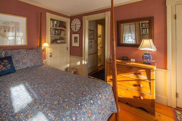 Brimblecomb Hill B& A Isaac Mansfield Room