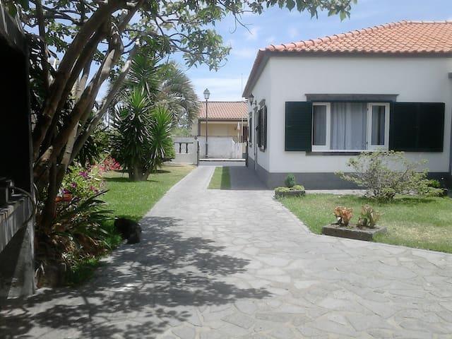 Holiday House-São Miguel Azores - Capelas - Huis
