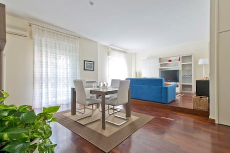 An apartment close to the seaside - Catania
