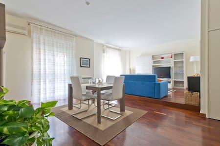 A nice apartment near the seaside - Catania - Apartment