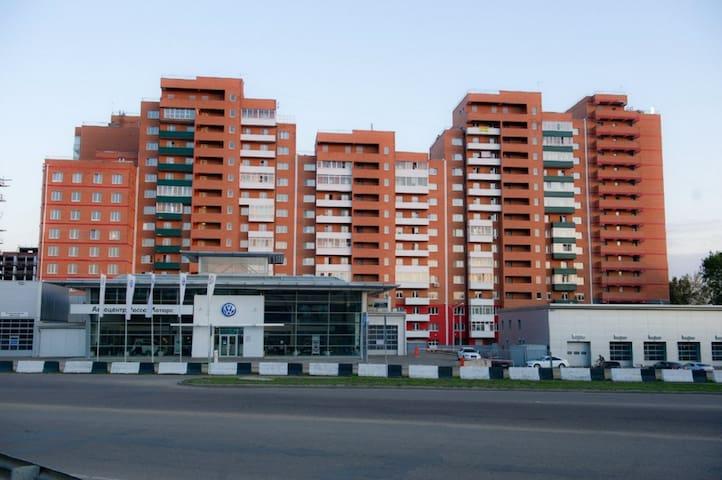 Дыбовского 2-комнатная квартира посуточно