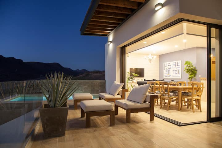 Exquisite home with private pool & panoramic views