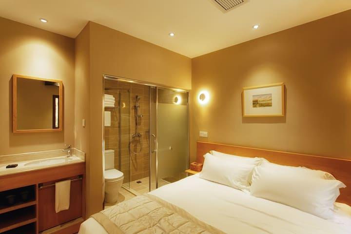 二楼卧室2