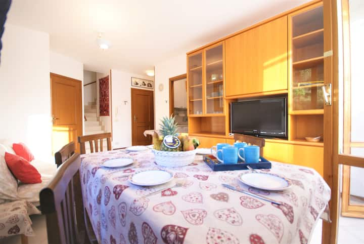 Apartment with terrace 1000m from beach | Ap13