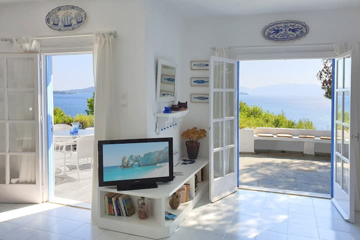 Villa Kochili, sea views and space for 10 guests