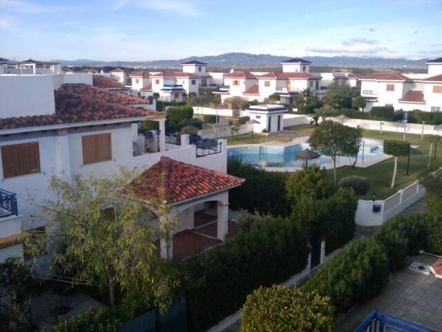 Atico en Vera playa con vistas al mar y piscina