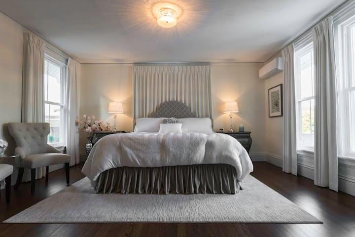 Marilyn Monroe Suite - Homestead Inn