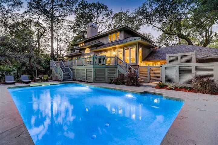 GORGEOUS Updated Home with Private Pool Close to Beach - Sleeps 15! - 4 Bedroom, 3.5 Bathroom - 2 Wren Drive
