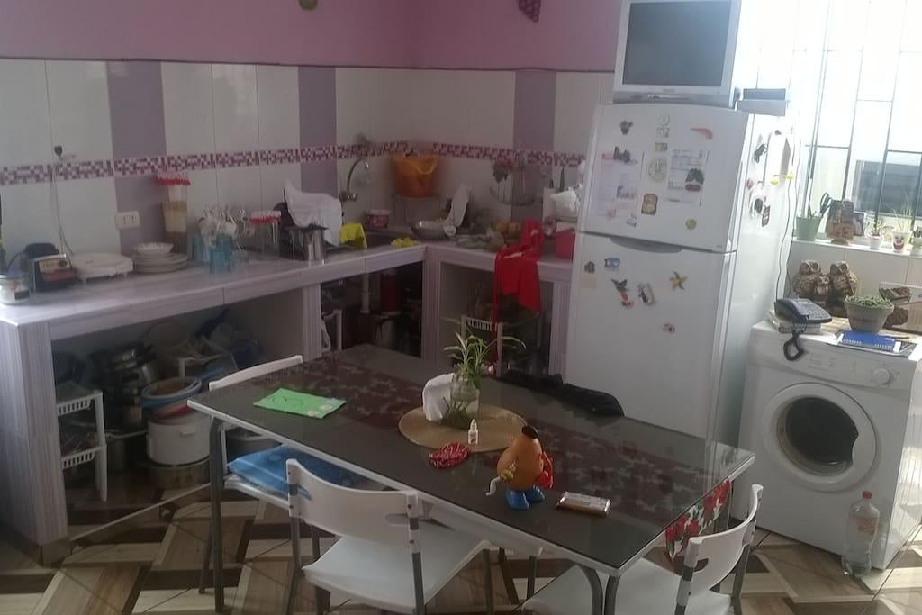 Cocina y Lavandería Común