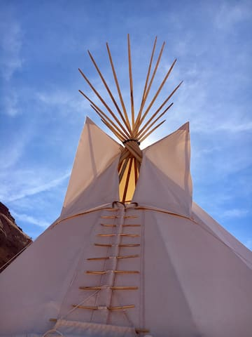 Sparrow Hawk Tipi