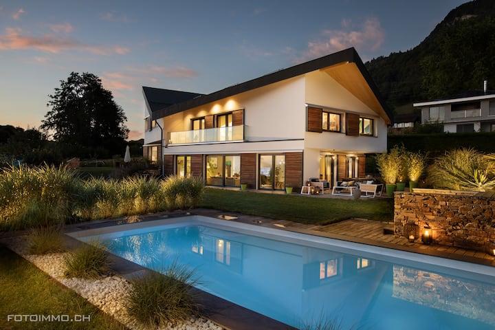 Montreux Holiday Home, Jolie villa, vue sur le lac
