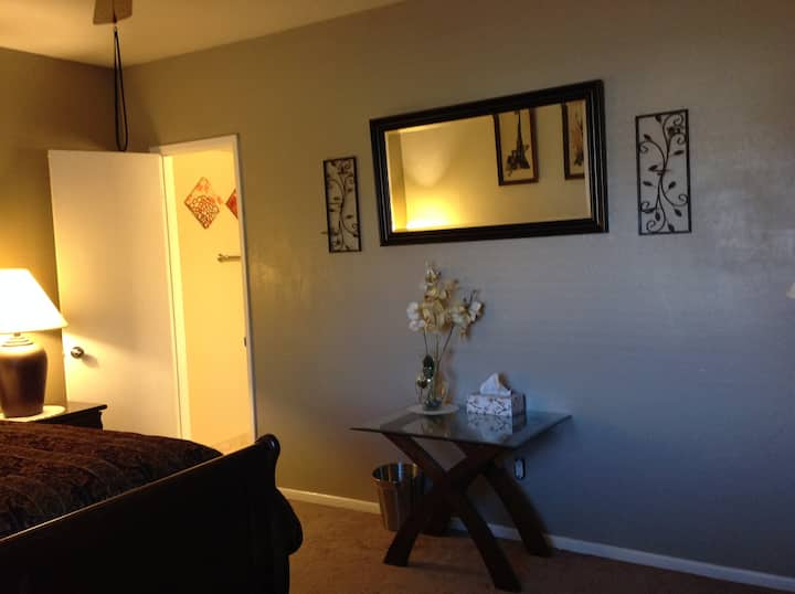 Private Rooms in Glendale