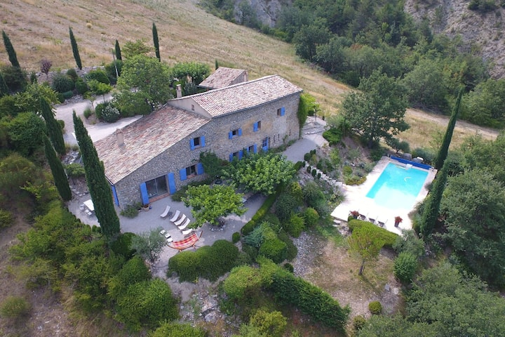 Majestic Villa in Montaulieu with Swimming Pool