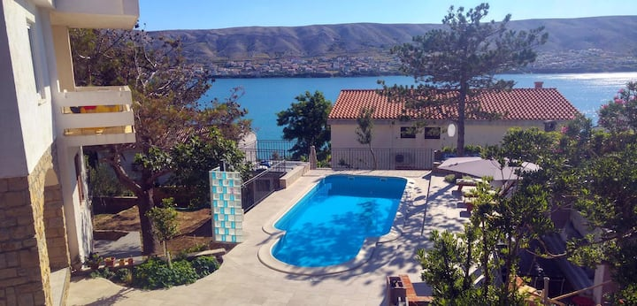 One bedroom apartment with terrace and sea view Pag (A-6384-c)
