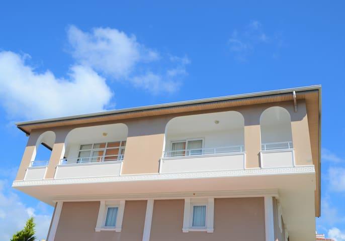 Zentrales Appartment 150 Meter vom Strand entfernt