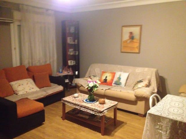 Bonita habitación individual en Illescas - Illescas - Casa