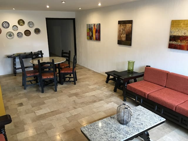2 bedroom very well located apt - Ciudad de México - Apartemen