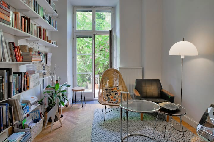 Scandinavian style studio apartment in Hornstull