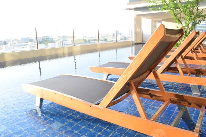 Cozy room with Pool&Gym near Phayathai BTS - Bangkok - Apartment