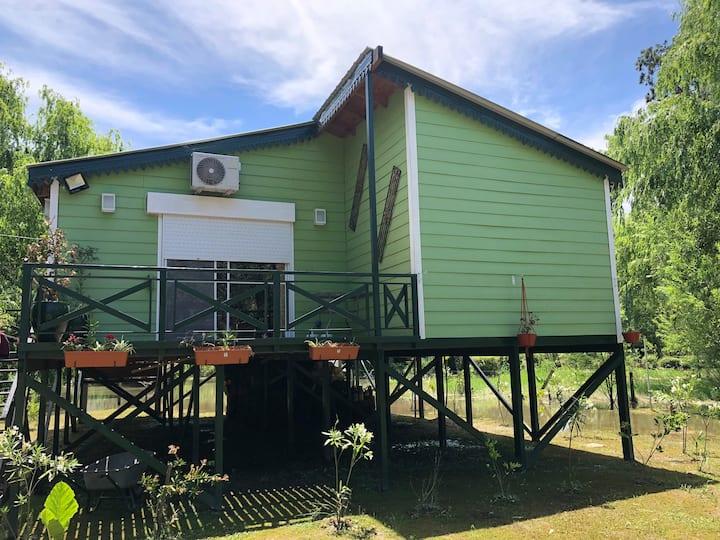 Lindisima cabaña  con muelle privado. Arroyo Toro.
