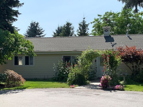 Post Falls  Garden Cottage, no cleaning fee