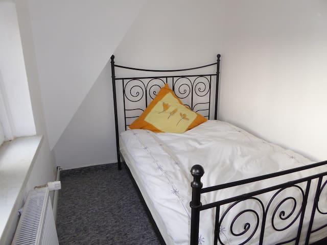 gemütliches Ferienhaus stadt- und naturnah - Kiel - Huis