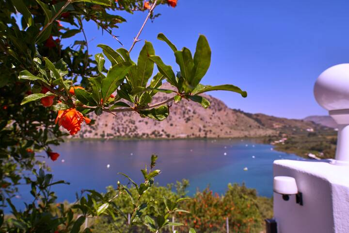 Beautiful Lake View Holiday Villa on Lake Kournas