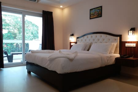 LUXURY 1 BEDROOM STAY ON THE FAMOUS BEACH OF GOA 3