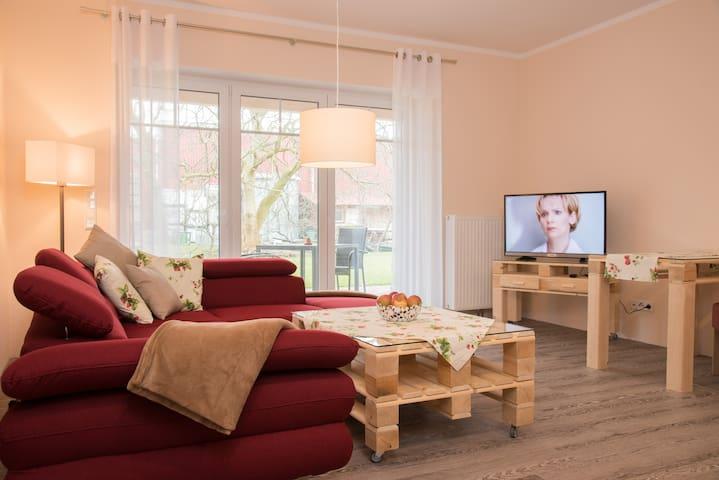 """Exclusive FeWo """"Erdbeere"""" auf dem Obsthof Matthies - Jork - Apartamento"""