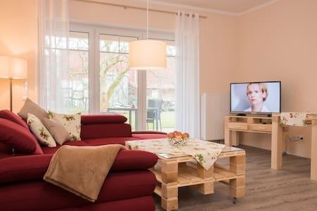 """Exclusive FeWo """"Erdbeere"""" auf dem Obsthof Matthies - Jork - 公寓"""