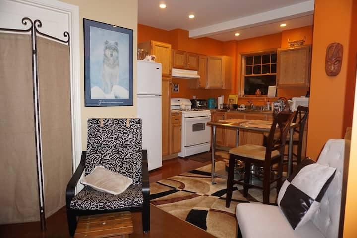 Suite-Full kitchen 1bd/1 bath, Haller Lk Seattle