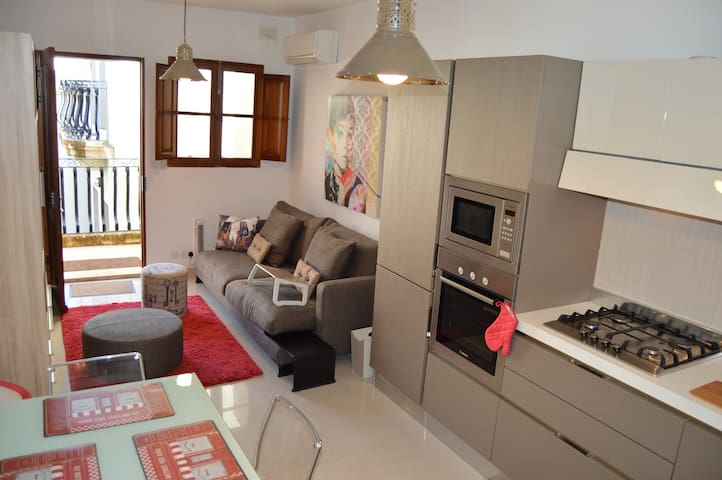 CENTRAL ST. JULIAN'S 1 bedroom flat - St Julian's - Appartement