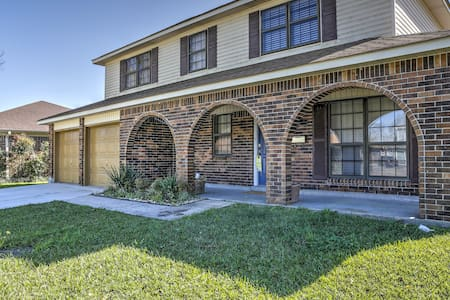 3BR Updated New Orleans Area Home w/Huge Yard! - Terrytown - Huis