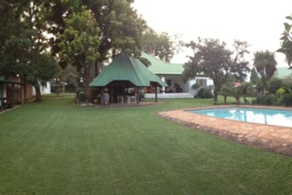 Access to the pool and Lapa braai area.