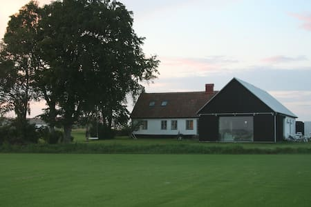 Cutting-edge house in famous Skåne! - Glemmingebro